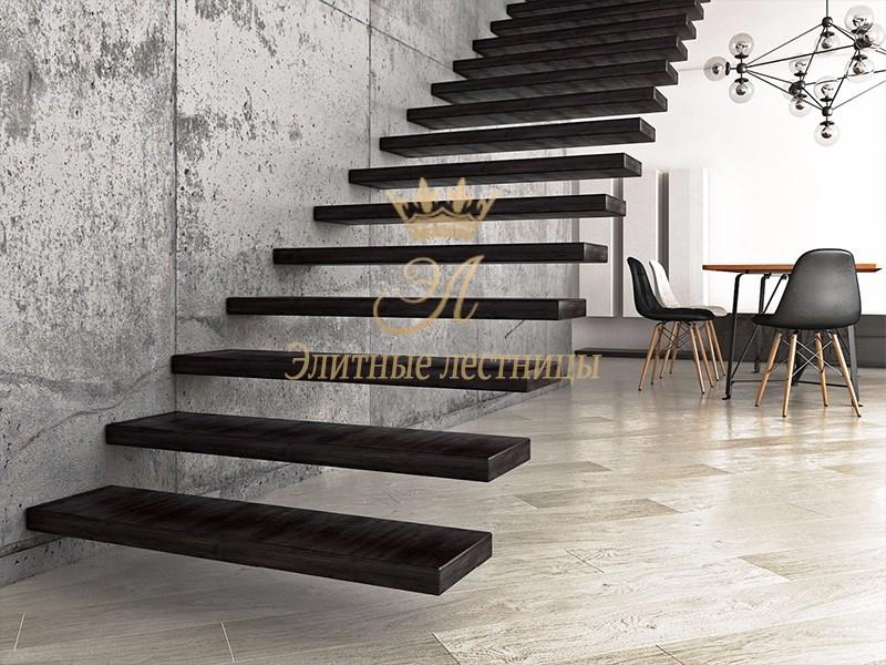 Консольная лестница , толщина ступени 80 мм. Коробчатого типа. Из тонированного Дуба